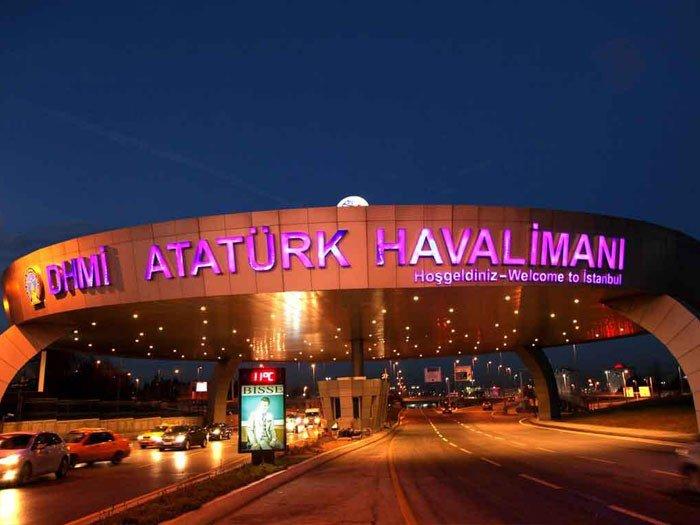 Atatürk Havalimanı'nda Şüpheli Minibüs  Paniği
