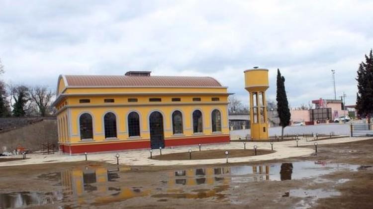 CHP'li Belediye  Türbeyi Düğün Salonu Yaptı
