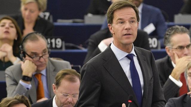 Hollanda Başbakanı: Özür Bekliyoruz