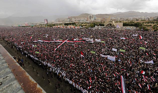Binlerce Yemenli İşgalci Suud'a Karşı Sokaklara Döküldü