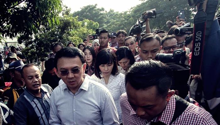 Endonezya'da İslam'a  Hakaret  Eden Valiye 2 Yıl Hapis
