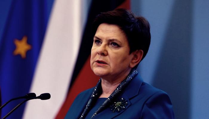 Szydlo: 'Polonya, Brüksel Elitlerinin Çılgınlığına Kapılmayacak'