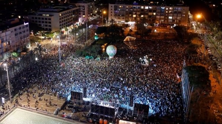 İsrail'de Halk Sokağa Döküldü