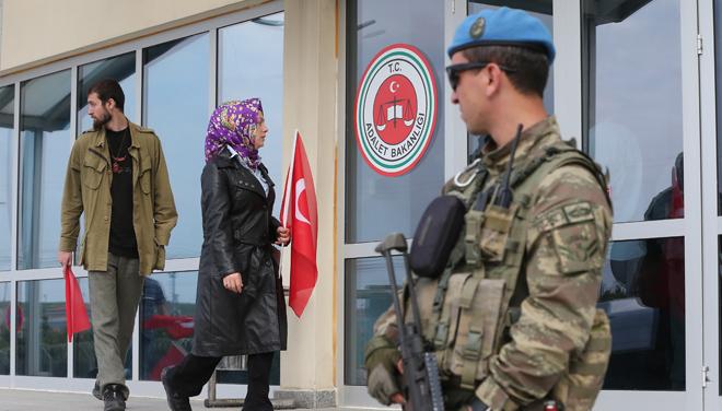 Alpaslan Cambaz: Aylardır 15 Temmuz Edebiyatı Yapanlar...