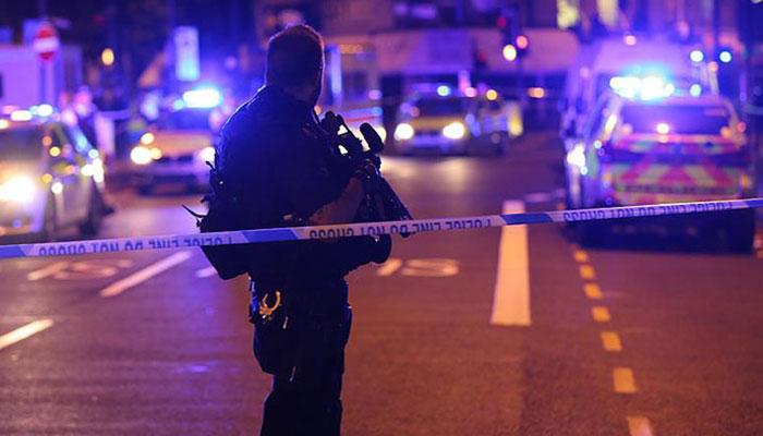 Londra'da Camiden Çıkan Müslümanlara  Saldırı