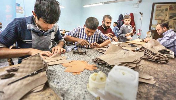 Suriyeliler  Yüzde 25 Daha Ucuza Çalıştırılıyor
