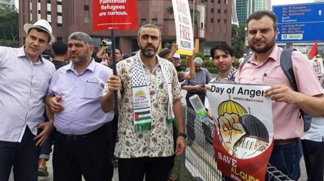 İslam Dünyası Aksa için Sokakta
