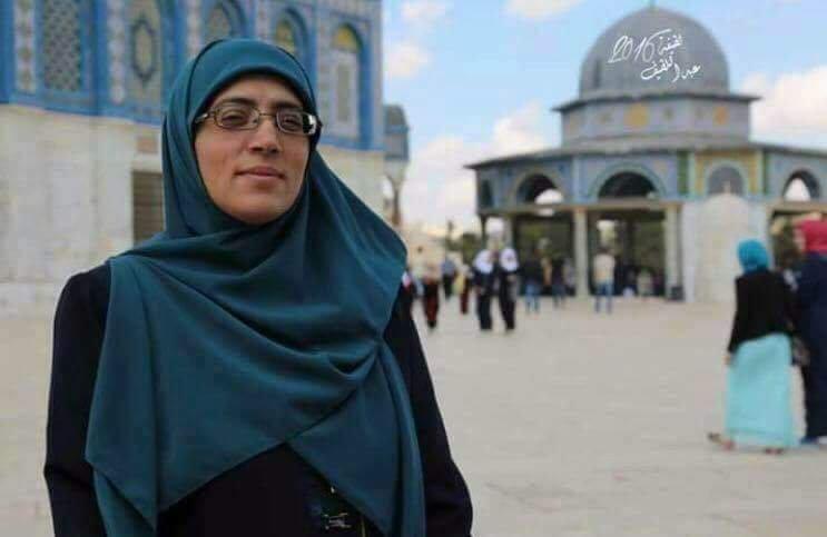 Aksa'nın Kadın Muhafızı:  İşgalciler Başörtümü Zorla Çıkardı! (VİDEO)
