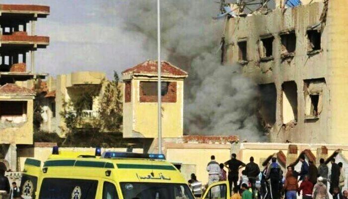 Mısır'da Camiye Bombalı Saldırı