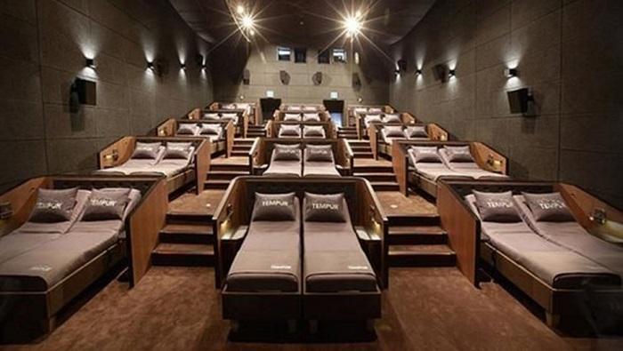 Ahlaksızlık Diz Boyu  İstanbul'da Yataklı Sinema Açıldı !