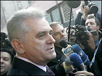 Sırp Cumhurbaşkanına Suç Duyurusu