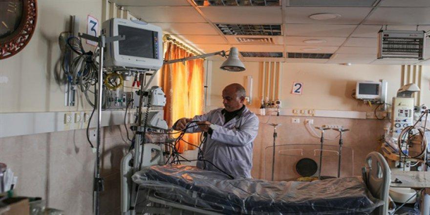 Abluka Nedeni İle Bin Filistinli Hayatını Kaybetti