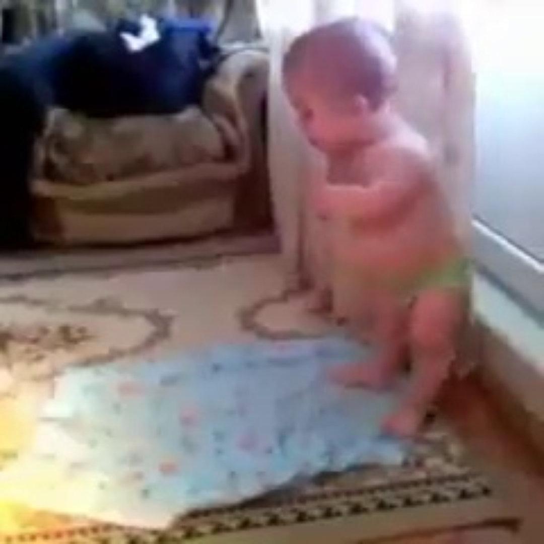 Namaz Kılan Bebek (MAŞAALLAH)