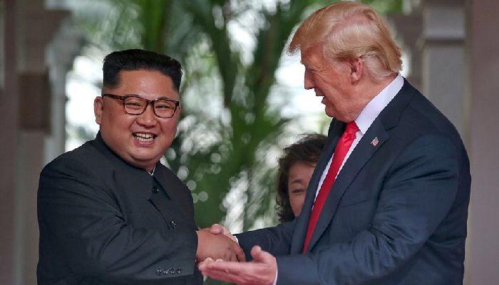 Trump ve Kim Zirvesi Singapur'da Başladı