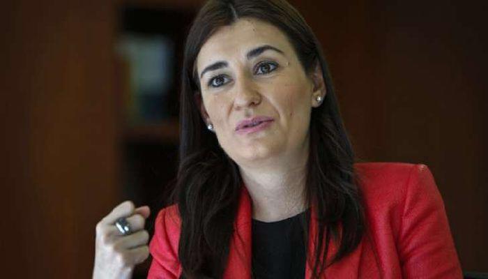 İspanya'da Bakanın Diploması Sahte Çıktı