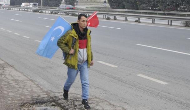 Doğu Türkistanlı İstanbul'dan Ankara'ya Yürüyor