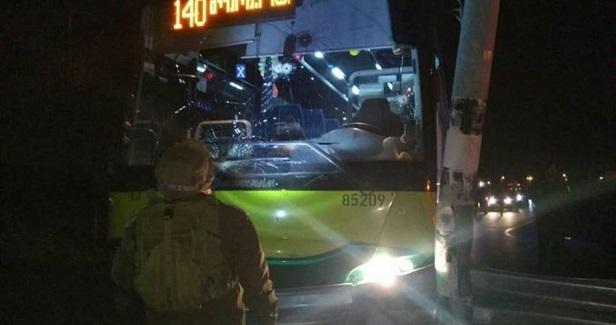 Direnişçilerden Otobüs Eylemi