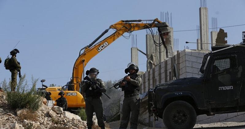 İşgalci, Batı Şeria'da Filistinlilere Ait Evi Yıktı
