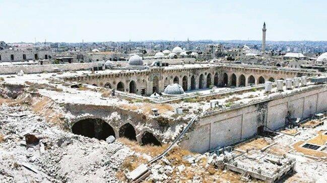 Notre Dame, İslam Eserlerini Akla Getirdi