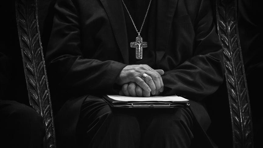 Papa'ya  Yakın Piskoposa  Taciz Suçlaması