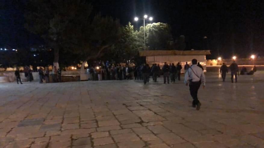 İsrail Polisinden Aksa'ya Gece Baskını