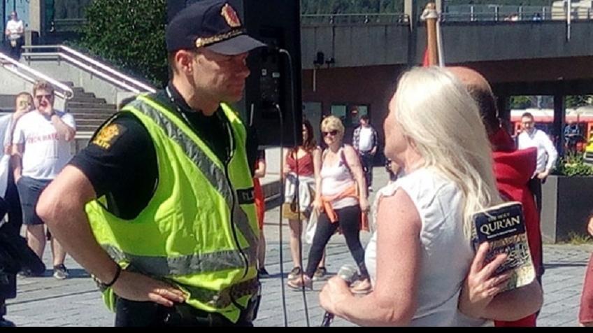Norveç'te  İslam  Karşıtları Gösteri Düzenledi