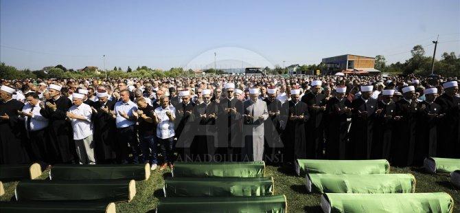 Bosna Savaşı'nın 86 Kurbanı Daha Toprağa Verildi