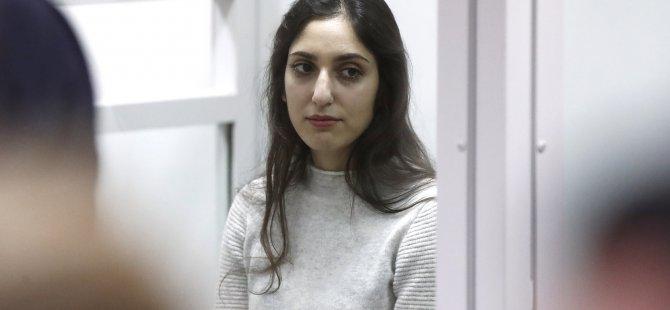 Putin Özel Kararname İle İsrailli Kadını Affetti