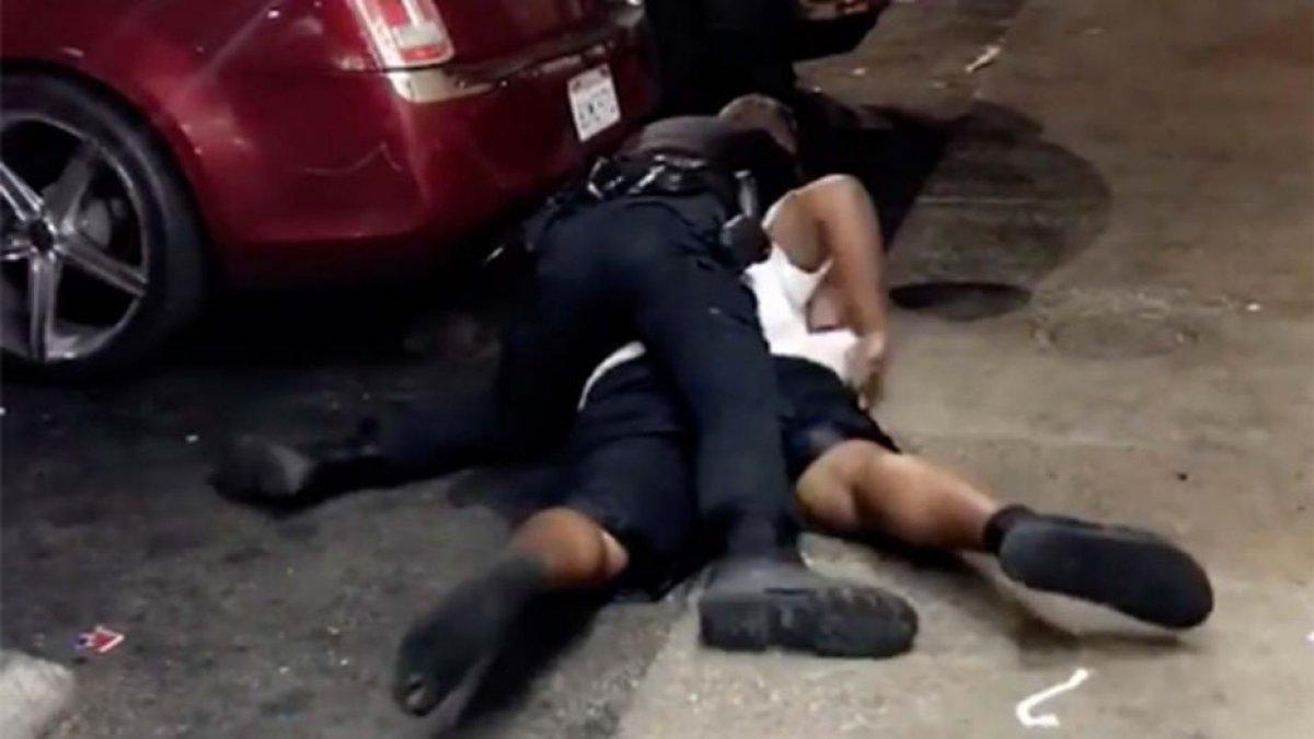 ABD Polisi Siyahi Vatandaşı Vurdu