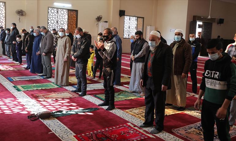 Gazze'de  Camiler İbadete Açıldı
