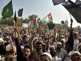 Pakistanlı Şii ve Sünniler tek yürek oldu