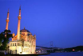 Tarihi Ortaköy Camii İbadete Açılıyor