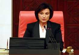 CHP'de Güldal Mumcu genel Başkan Adayı Oluyor