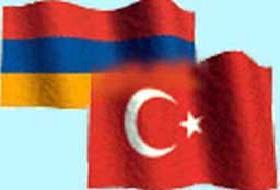 Türkler ve Ermeniler karşılıklı gösteri yaptı