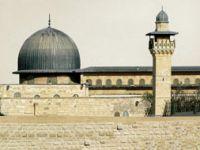 Yahudilerden Mescid-i Aksa'ya Baskın