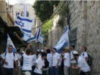 Siyonist Yerleşimcilerden Aksa'ya Baskın