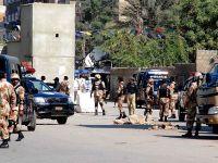 Pakistan'da Polis Servisine Saldırı
