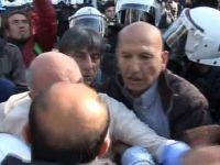 CHP'li Vekilden Polise Yumruklu Saldırı