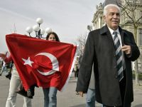 """CHP'liler Bonzai ve Esrar İçerek HDP'ye Oy Verdi"""