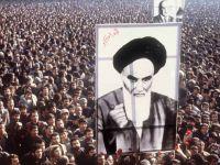 İran Halkı Protesto Gösterisi Düzenledi