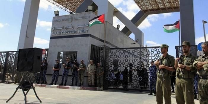 Refah Sınır Kapısı Geçici' Olarak Açıldı