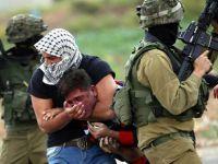 İşgal Güçleri Kontrol Noktasında Filistinli 5 Genci Gözaltına Aldı