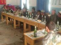 Çin, 1 Mayıs'ta Doğu Türkistanlılara Zorla Şarap İçirdi!
