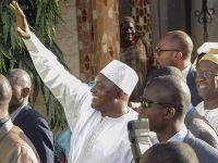 Müslüman Lider Ülkesini Terk Etti