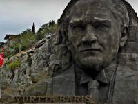 Cumhuriyet Gazetesi Yazarı: Atatürk  Benim İlahım (VİDEO)