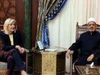 Le Pen'in Lübnan Müftüsüyle Başörtüsü Krizi
