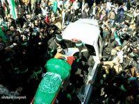 Kassam  Tugayları Şehidini   Uğurladı  (Foto)