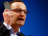 Alman Siyasetçi: Müsülamanlar İçin Yasa Çıkaralım