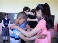 Sosyal Sorumluluk Projesi Skandalı Köy Çocuklarına Tango Dersi