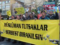 Azerbaycanlı Müslümanlardan Çağrı Var